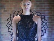 She Makes the Mechanical Natural for Wearable Fashion